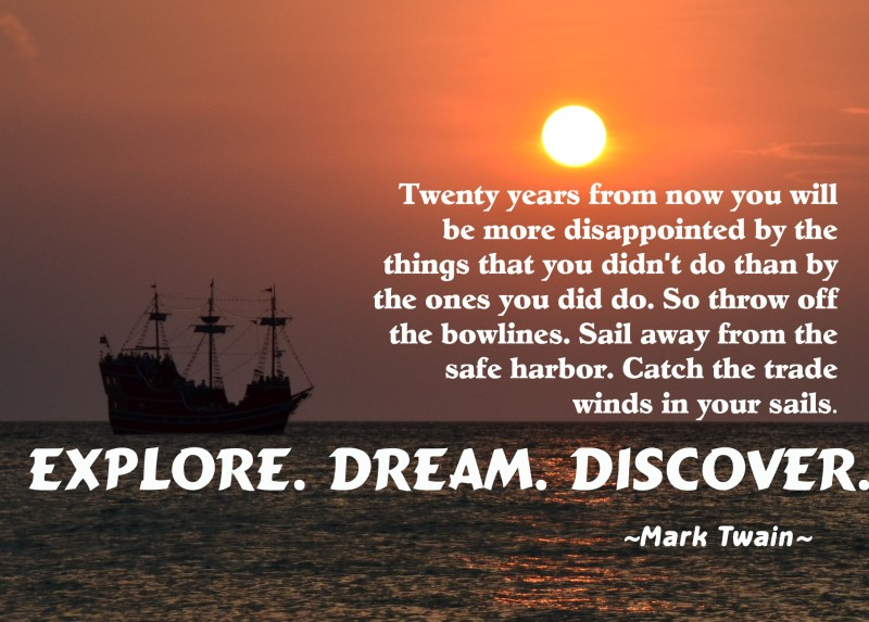 Boat-at-sunset-with-mark-twain-quote